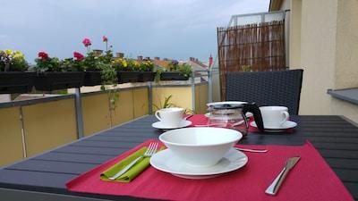 Enjoy your breakfast on the roof terrace