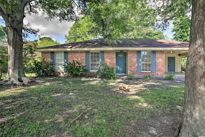 Experience the Cajun culture of Lafayette from 3BR/2BA vacation rental home.