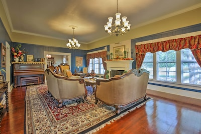 Four bedrooms and 3.5 bathrooms provide 10 guests the perfect getaway!