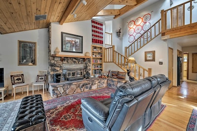Your Cloudcroft vacation begins at this stunning mountain home!