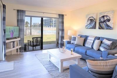 Bight corner 3 bedroom condo - closest CT condo to the ocean!