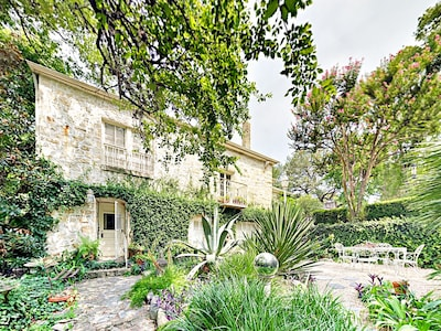 Welcome to Austin! This boutique studio is located on historic Bouldin Farm in the heart of downtown Austin.