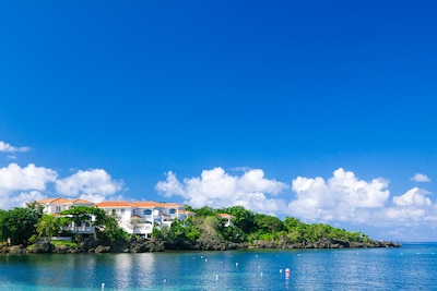 Coral Vista Villas over Half Moon Bay in Roatan's Vibrant West End