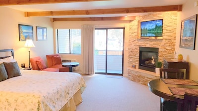 Newly remodeled with King bed and Thermostat controled Fireplace