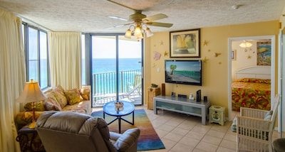 """Welcome to """"Captain's Cove!"""" Sunbird 908W.  Incredible beachfront one bedroom, one bath, sleeps 4.  Free dedicated wi-fi provided for this condo."""