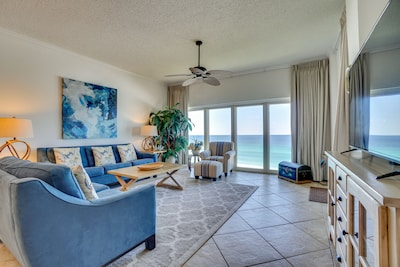 Beach Manor 811 - Living room with beautiful views of the Gulf of Mexico!