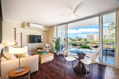 Embassy Suites by Hilton Waikiki Beach Walk, Honolulu, Hawaii, United States of America