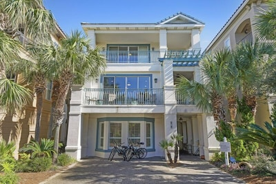 Front View of this Destin By the Sea Destin Rental