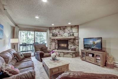 Living Area  - For comfort, convenience and affordability look no further than the Atrium condos in Breckenridge