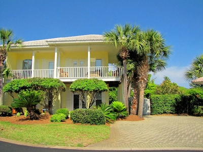 Private parking, partial privacy fence, wrap around balconies!