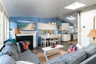 Living Room - Welcome to Ventura! This home is professionally managed by TurnKey Vacation Rentals.