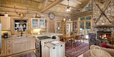 Timbercreek Lodges, Vail, Colorado, USA