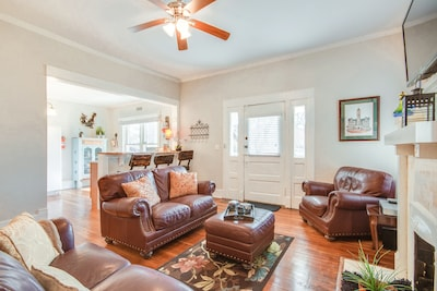 Living Room - This stately three bedroom home is your convenient home away from home when you're in Nashville.