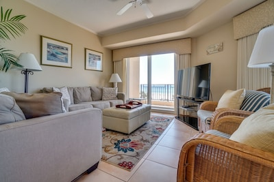 Westwinds 4724 - Living Room - Not to worry, there's enough seating space for the whole family