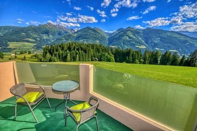Weisssee Gletscherwelt Ski Resort, Uttendorf, Salzburg State, Austria