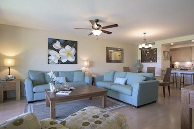 Spacious Living Area 1 Bedroom Ocean View