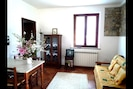 Zimmer, Möbel, Eigentum, Interior Design, Wohnzimmer, Gebäude, Haus, Fussboden, Tabelle, Zuhause