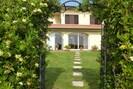 Blume, Pflanze, Eigentum, Gebäude, Fenster, Botanik, Baum, Grundstueck, Haus, Tür