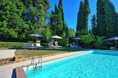 Schwimmbad, Eigentum, Freizeit, Resort, Grundeigentum, Urlaub, Estate, Haus, Ferienort, Gebäude