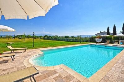 Schwimmbad, Eigentum, Grundeigentum, Gebäude, Haus, Freizeit, Urlaub, Resort, Estate, Villa