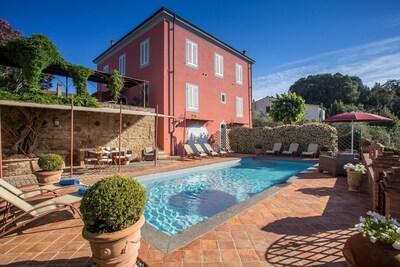 Building Exterior, Outdoor, Pool