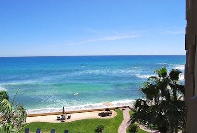 Terrace View - The terrace has a view of the surf break.