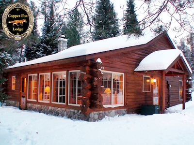 Enchanting, year round riverside atmosphere at Copper Fox Lodge!!