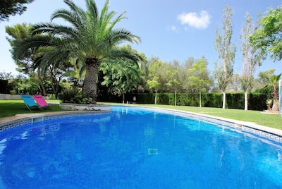 Mallorca South. Private terrace. Garden and pool shared. WiFi. Sat.TV