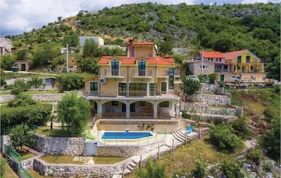 Čavoglave, Ružić, Sibenik-Knin, Croatia