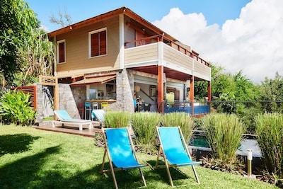 villa côté  jardin et piscine