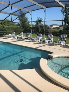Pool and spa with 7sun loungers