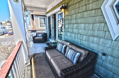 Patio with street view.