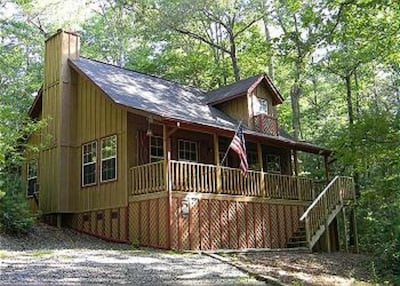 Wildwood Tree House Love Nest