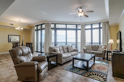 Large family room with direct beach front balcony