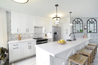 New kitchen with filtered water, insta hot, Wusthof knives, coffee maker + more.