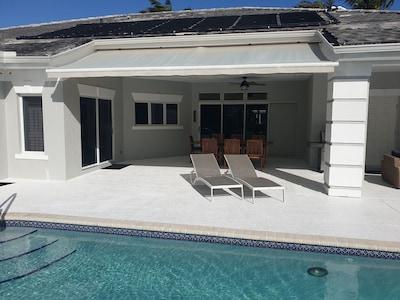 Pool Deck verobeachvilla.com