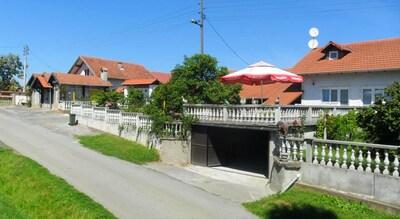 Église Sainte-Marie-des-Neiges, Kutina, Comitat de Sisak-Moslavina, Croatie