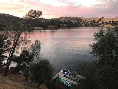 Tulloch Reservoir, Copperopolis, Jamestown, California, United States of America