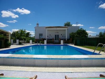 Gran Villa impresionante situado en Campo de Andalucía.
