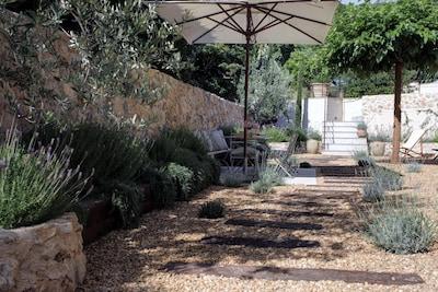 La Maison Provençale - Private Garden © www.antibes-rental.com