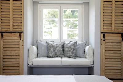 La Maison Provençale - PH Bedroom © www.antibes-rental.com