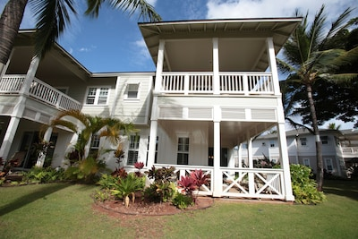 The front view of this 2-story Coconut Plantation 2-story, 1,700 square ft home