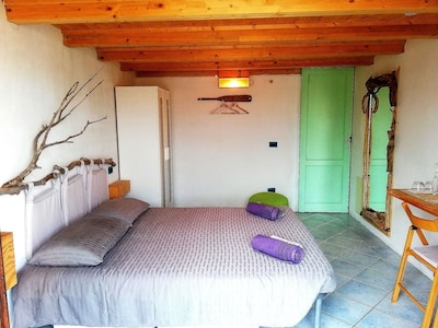 Wooden Room SARDINIA - free breakfast / wi-fi