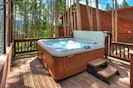 Private Hot Tub Available to use year round!