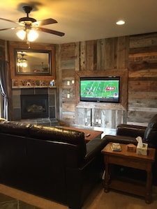 Living Room. Electric fireplace and satellite TV.