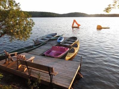Haliburton Lakefront Sleeps 12 - Carnarvon