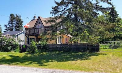 Mutchmor House, Providence Bay - Ontario, Canada