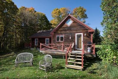 Goldilocks Cabin Deck w/Fire Pit
