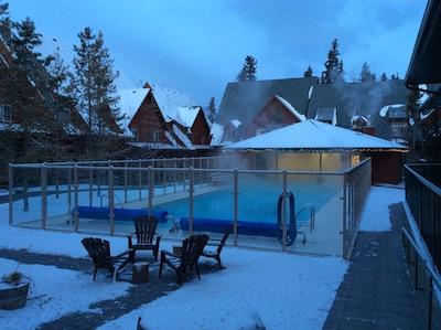 Outdoor Pool - winter