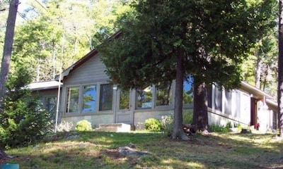 Hedgehog Island Cottage Rental - Athens, Ontario
